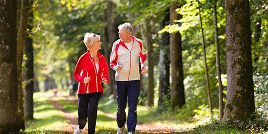 Par som jogger